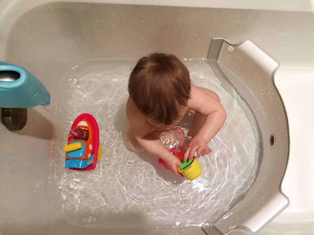 BabyDam Bathtub Divider