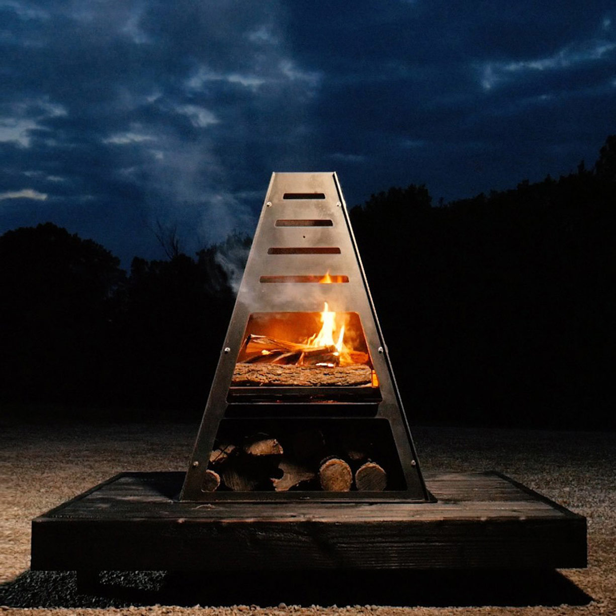 Bad Idea Pyro Tower - Wood Burning Fire Pit / Charcoal ...