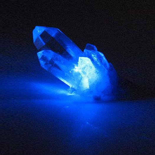 Volim plavo - Page 3 Blue-laser-pointer-1