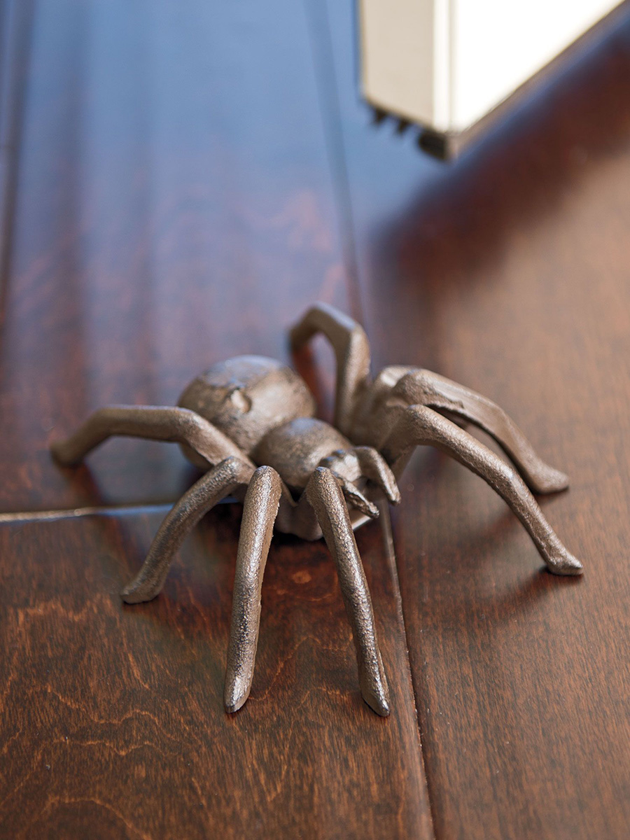 Rustic Style Lifelike Cast Iron Spider Arachnid Tarantula Figurine 4.5 Inch