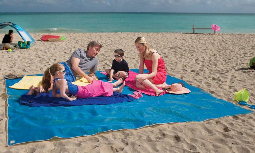 CGear Giant Sandless Beach Mat - The Green Head