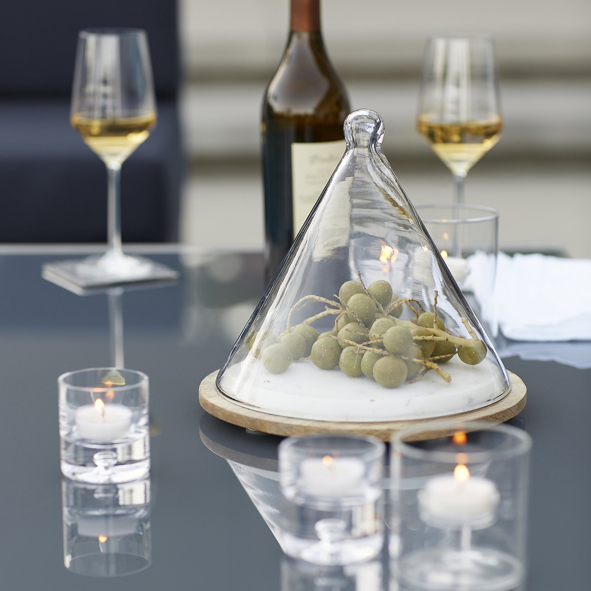 Cone Shaped Glass Dome Covered Server