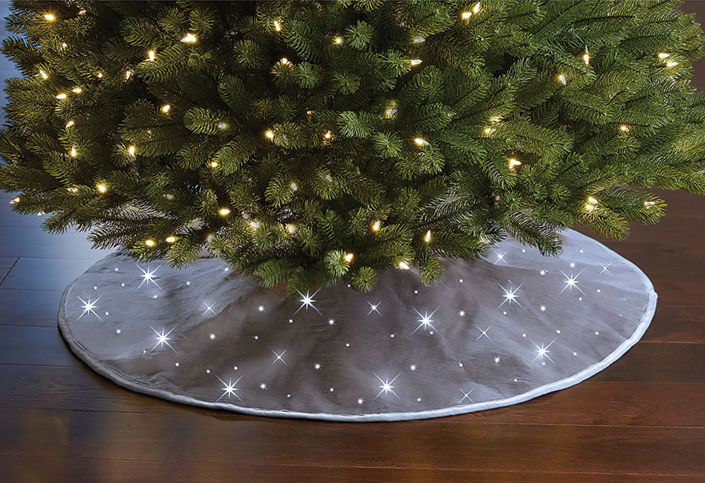 Cordless Twinkling Christmas Tree Skirt