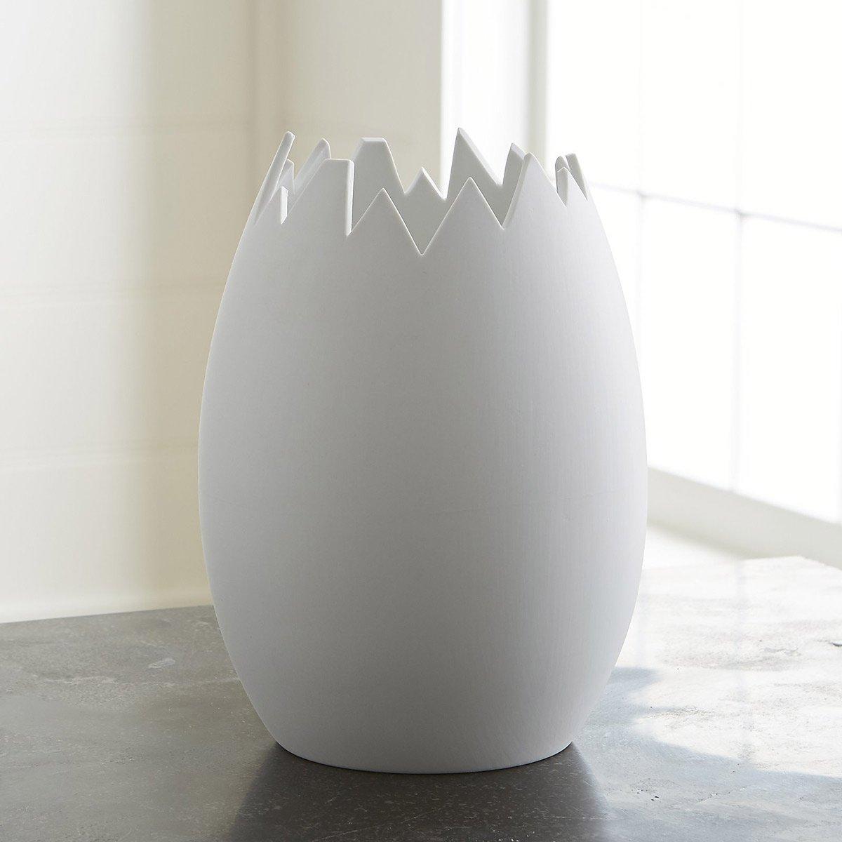 Broken Glass Vase: Cracked Eggshell Vase