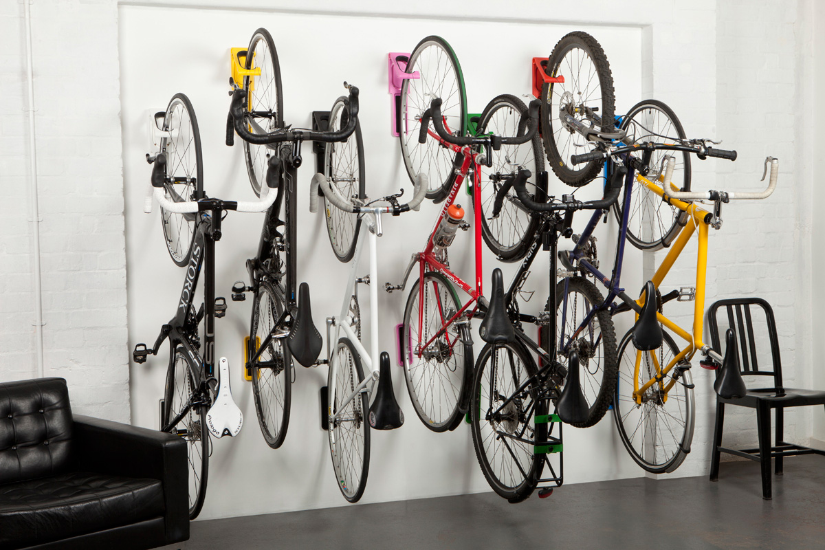 cycloc endo vertical fold flat bicycle storage the green head. Black Bedroom Furniture Sets. Home Design Ideas