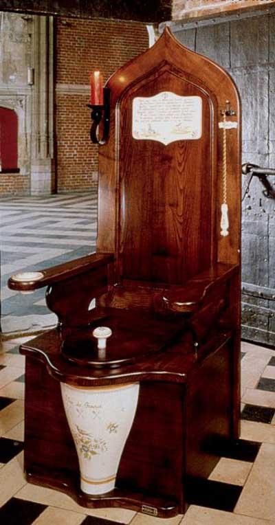 Connaissez-vous votre manoir? - Page 3 Dagobert-toilet-throne-1