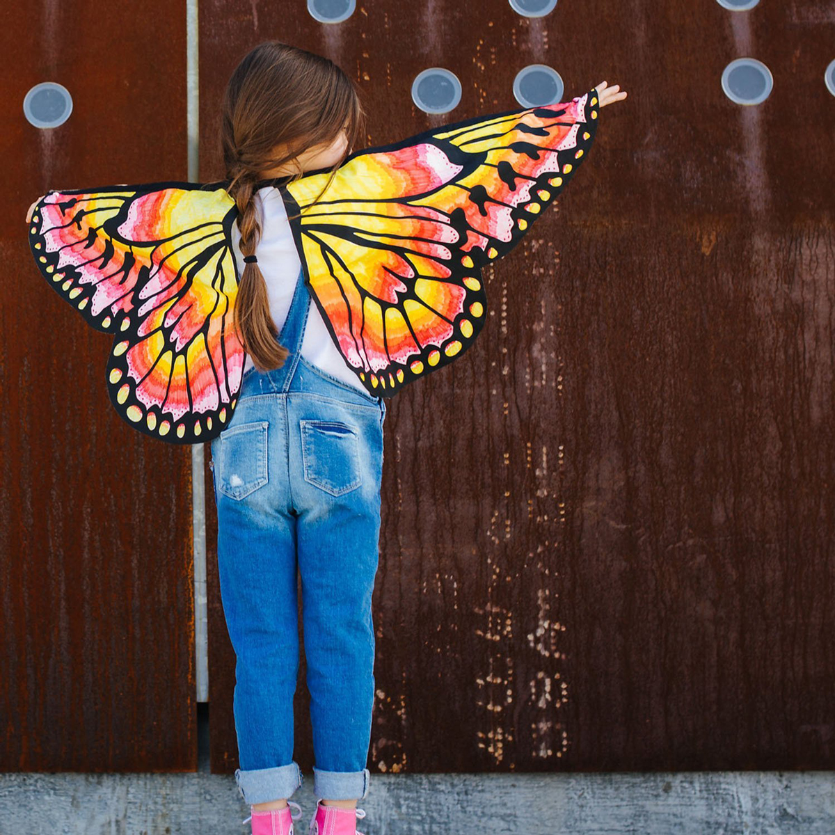 Wearable butterfly wings