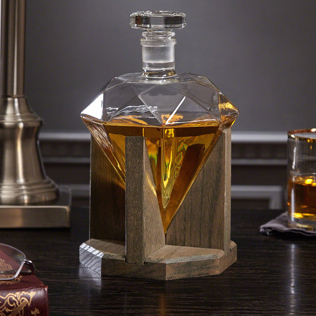 diamond whiskey decanter. Black Bedroom Furniture Sets. Home Design Ideas