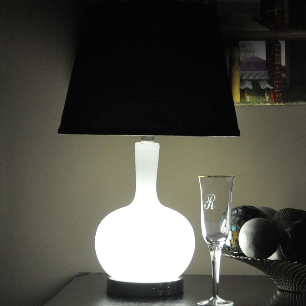 Ellen Emergency Table Lamp / USB Charger - The Green Head