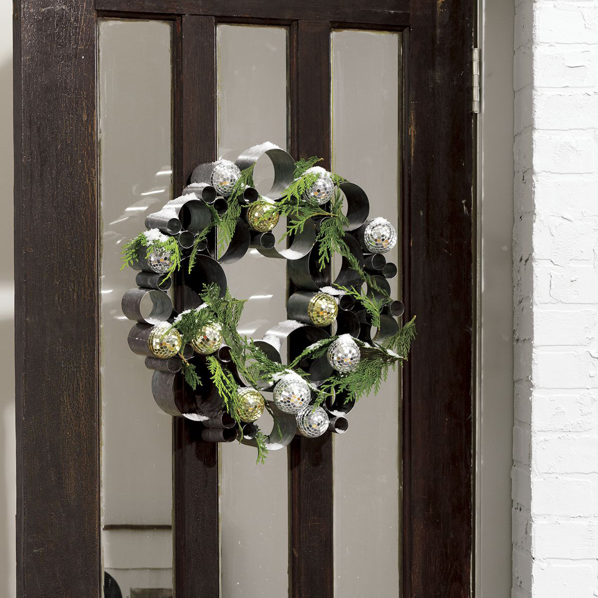 Galvanized Metal Bubble Wreath