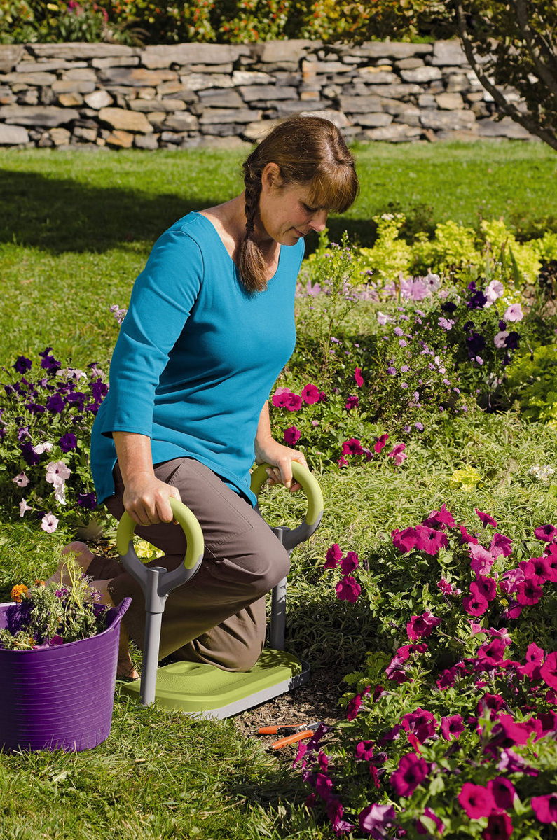 Gardenease kneeler the green head for Gardening kneeling stool