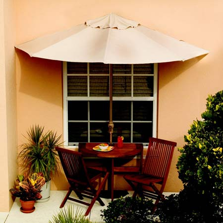Superieur Half Circle Umbrella, Table And Chairs