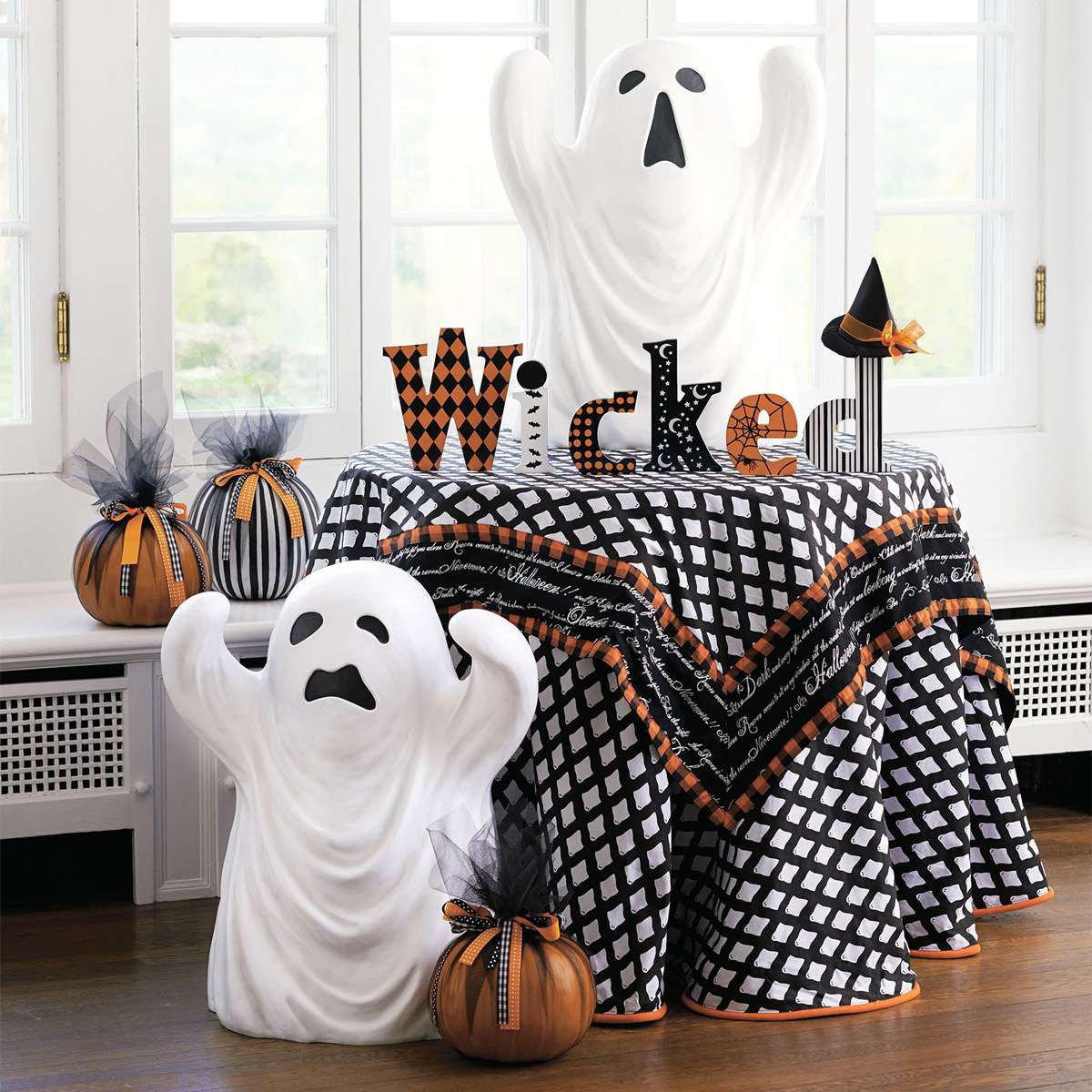 Decorations For A Halloween Party: Halloween Ghost Statues