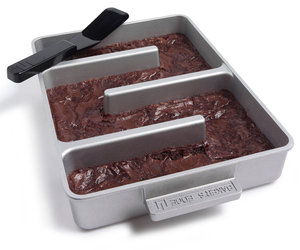 Baker's Edge Brownie Pan - For Edge lovers!