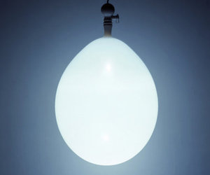 The Balloon Lamp - A Modern Japanese Lamp