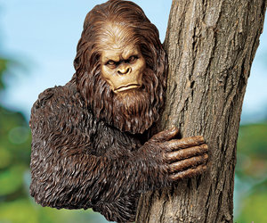 Bigfoot Tree Sculpture