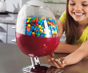 CandyMan - Motion-Activated Candy Dispenser