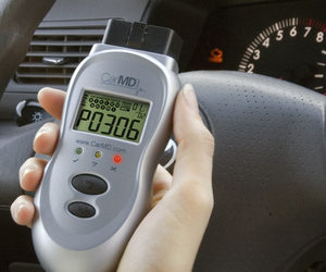 CarMD - Handheld Vehicle Diagnostic Unit