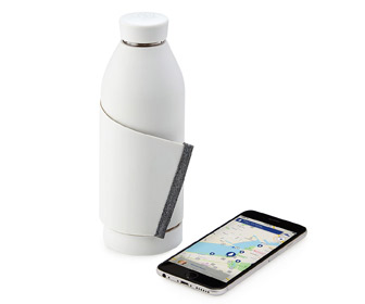 Closca Water Bottle - Integrated Carry Strap and Fountain Finding App