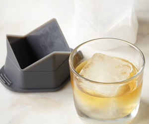 Colossal Ice Cube Molds