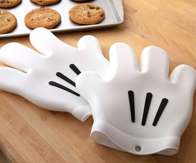 Disney Mickey Mouse Gloves Oven Mitts