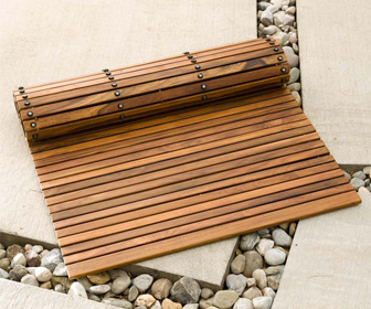Flexible Teak Roll-Out Bath Mat