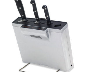 Germ Eliminating Knife Block