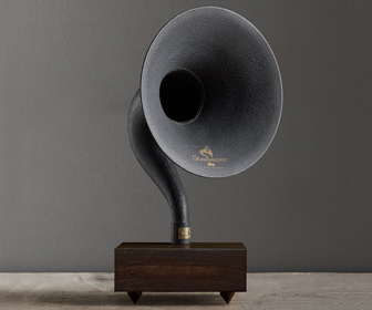 Giant Bluetooth Gramophone Speaker