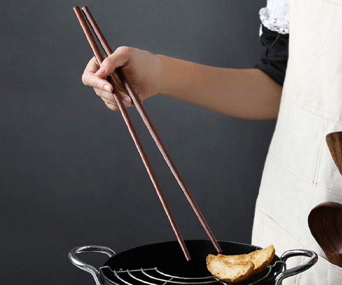 Gigantic Cooking Chopsticks