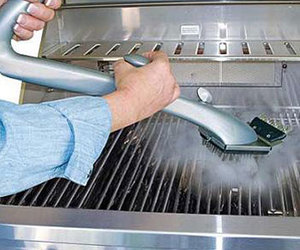 Grill Daddy Pro - Grill Brush Cleans with the Power of Steam!