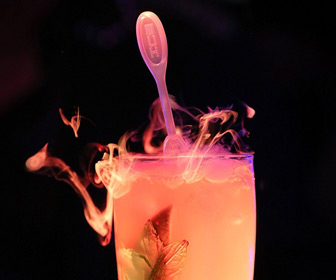 ICICLE - Dry Ice Drink Stirrers Create Smoky Cocktail Effects