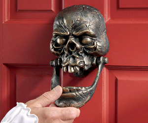 Knock-Jaw - Cast Iron Skull Door Knocker