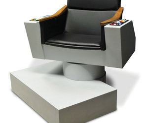 Lifesize Replica of Captain Kirk's Chair from Star Trek!