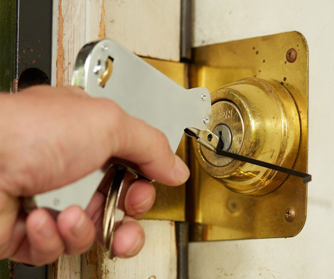 Lock Pick Gun - Never Get Locked Out of Your Home Again!
