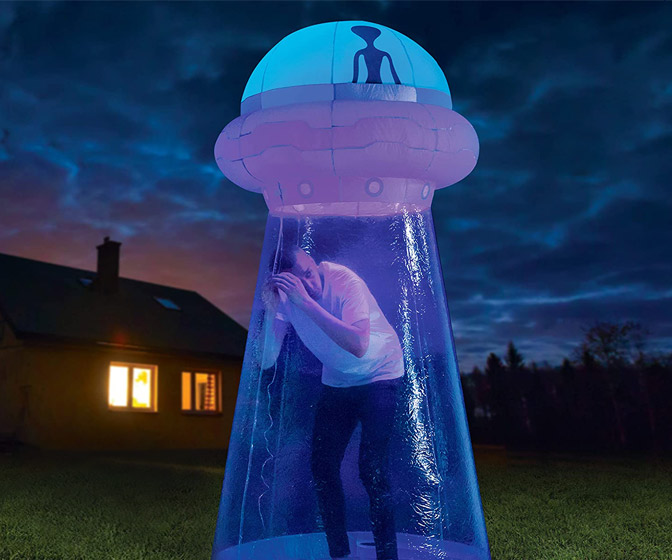 Massive Alien UFO Abduction Inflatable - Stand in the Beam!