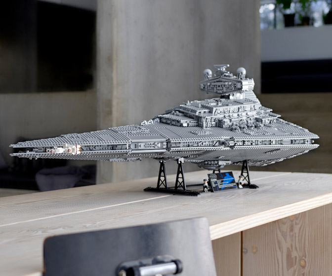 Massive LEGO Imperial Star Destroyer - The Devastator - 4,784 Pieces!