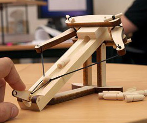 Miniature Ballista Kit - Wooden Desktop Warfare