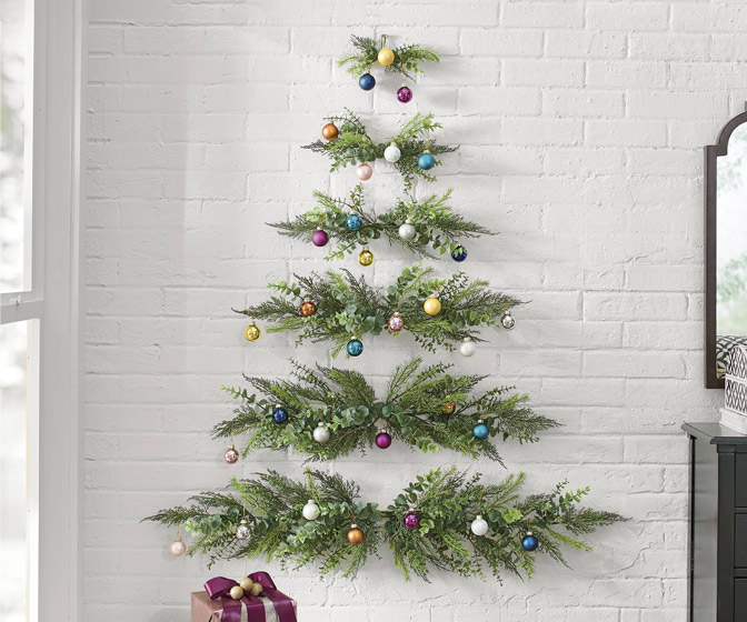 Minimalist Wall Hanging Christmas Tree