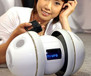 Miuro Robotic Rolling iPod Speaker Dock