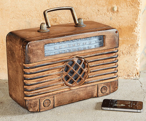 Radio Days Bluetooth Speaker