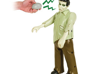 R/C Zombie w/ Brain-Shaped Remote Control