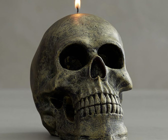 Rustic Silver Shaped Skull Candle