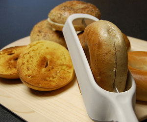 Safety Bagel Slicer - Ultimate Bagel-Slicing Tool