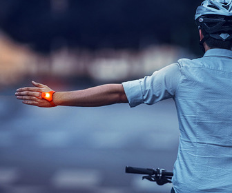 SeniTurn - Wearable Safety Indicator Lights For Your Hands