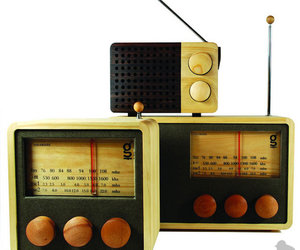 Singgih Kartono Magno Wooden Radios - MP3 Ready, AM/FM and Shortwave