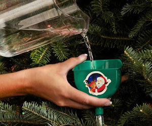 Smart TreeKeeper - Christmas Tree Watering Device