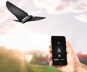 Smartphone-Controlled Bionic Bird