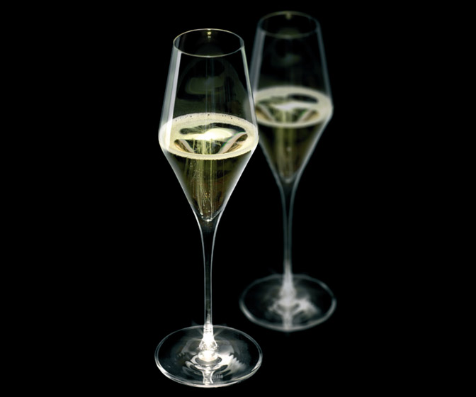 Stolzle Highlight Champagne Flutes - Illuminate When Raised