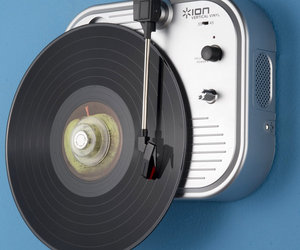 Vertical Vinyl - Wall-Mounted Turntable