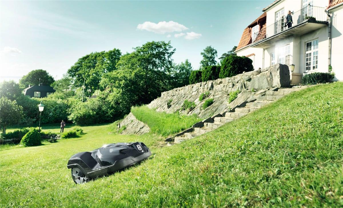 husqvarna automower robotic lawn mower the green head. Black Bedroom Furniture Sets. Home Design Ideas